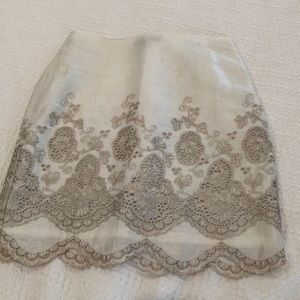 Ann Taylor white skirt with silver lace detail